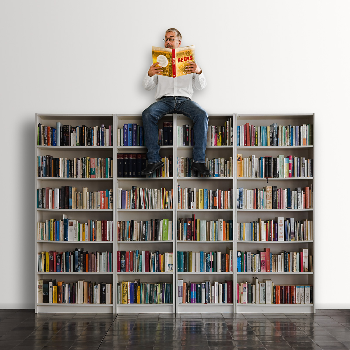 bookcase_with_joseph