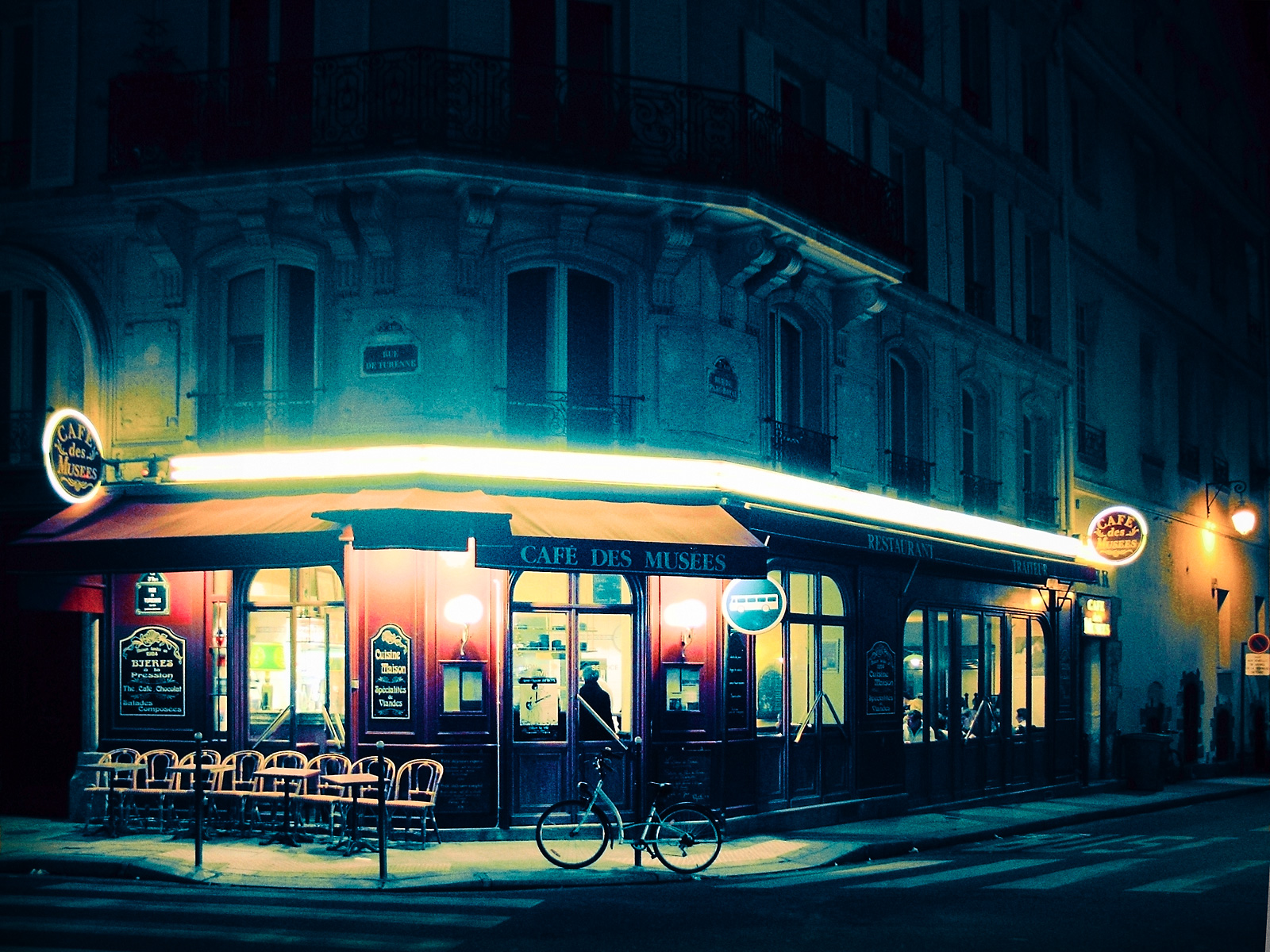 french_cafe_night_exterior